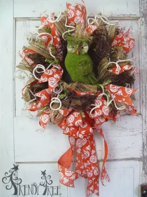Autumn wreath with moss coloured owl