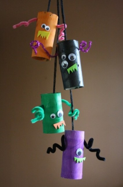 Toilet roll tube monsters - Halloween paper crafts