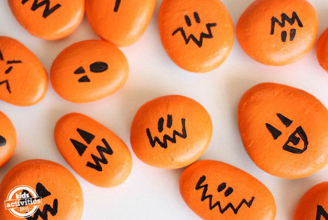 Halloween painted rocks - Halloween crafts