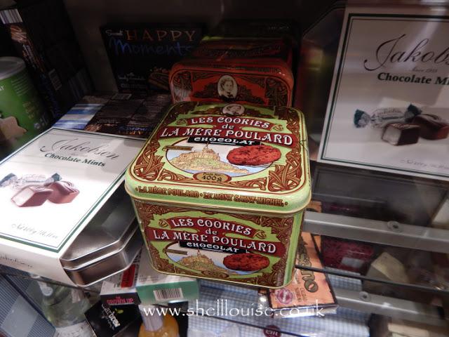 Home Sense - Decorative cookie tin