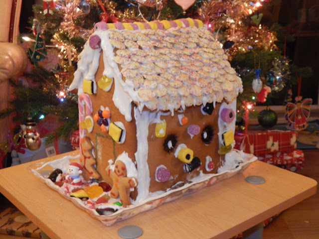 First side of finished gingerbread house
