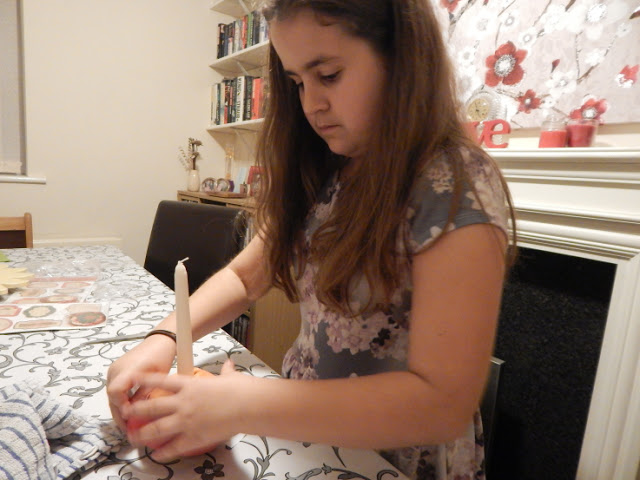 KayCee making a Christingle
