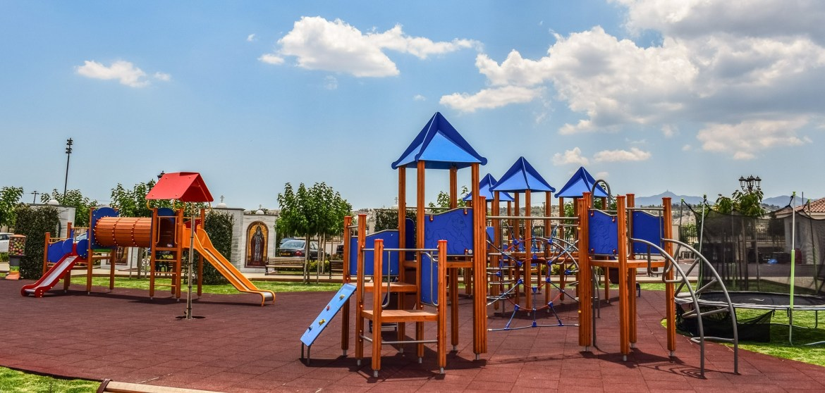 playground play equipment