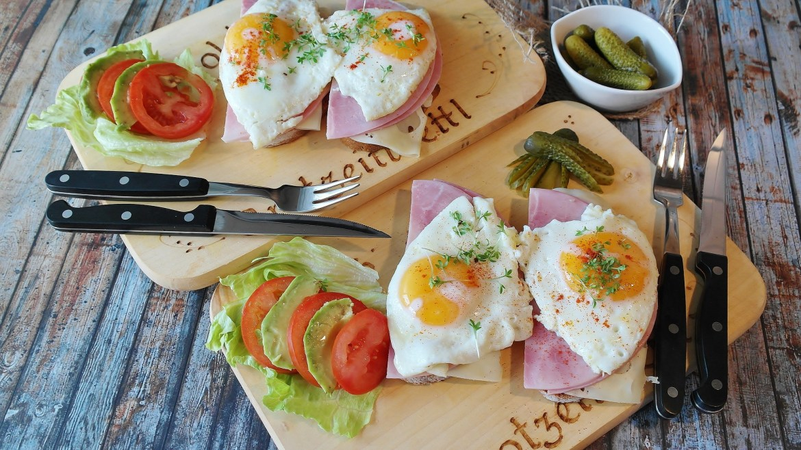 eggs and ham on toast