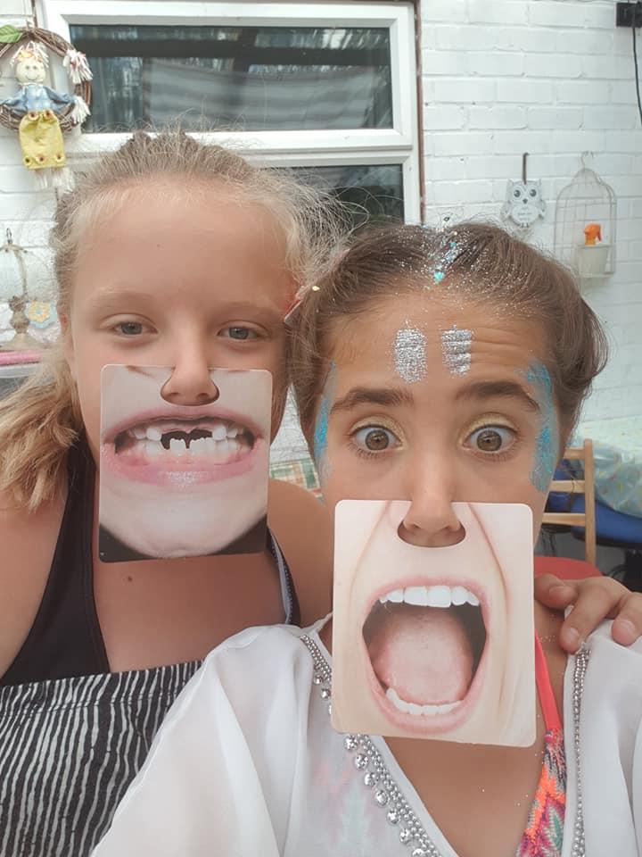 Ella and Amelia selfies