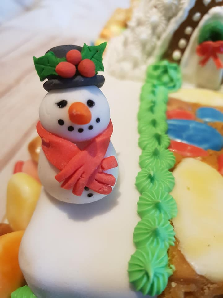 sugar paste snowman