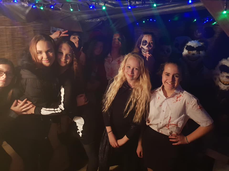 Halloween photos 2018 - KayCee and her friends at her Halloween party