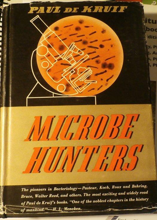 Omslag van Microbe Hunters uit 1944