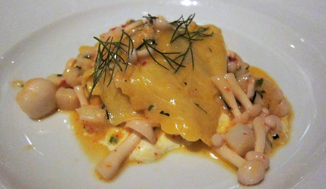 Raviolo - with mushrooms
