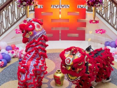 lion dancers at chinese wedding