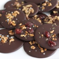 Chocolate discs (palette) with hazelnuts and sea salt