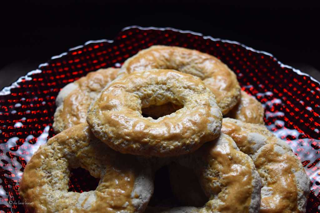 Crispy Spicy Almond Roccoco Italian Cookie Recipe