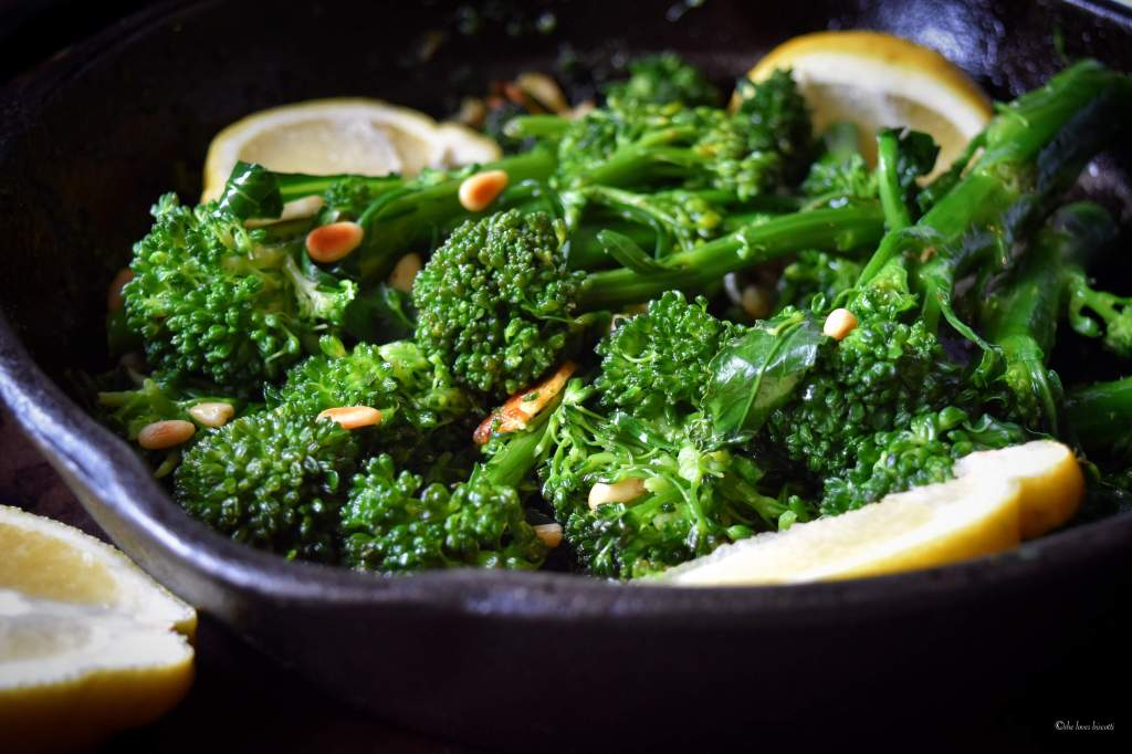 Easy Garlicky Sauteed Broccolini
