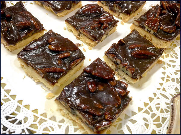 chocolate-pecan-pie-bars | She Paused 4 Thought