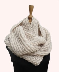 Hand Knitted Scarf Designs - ShePlanet