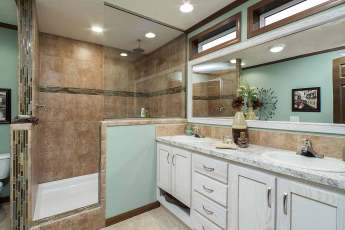 Advantage Master Bath