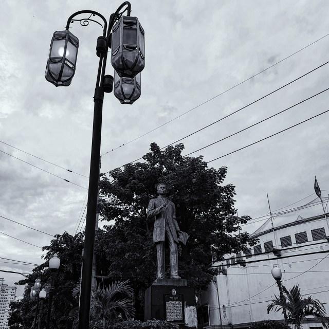 Street Photography in Manila, Philippines - Pablo Ocampo Statue