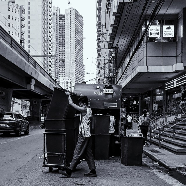 Street Photography in Manila, Philippines - Garbage Collector
