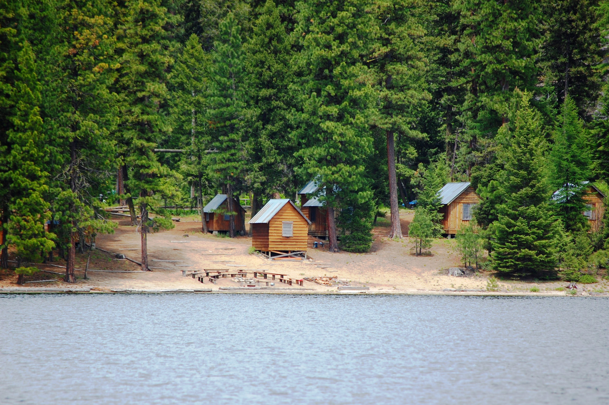 Campground next to lake.