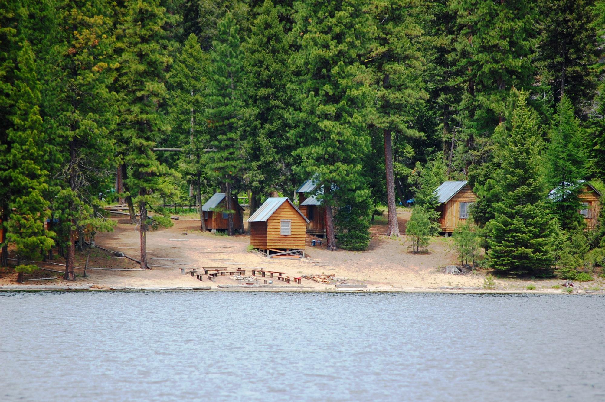 Campground next to lake.