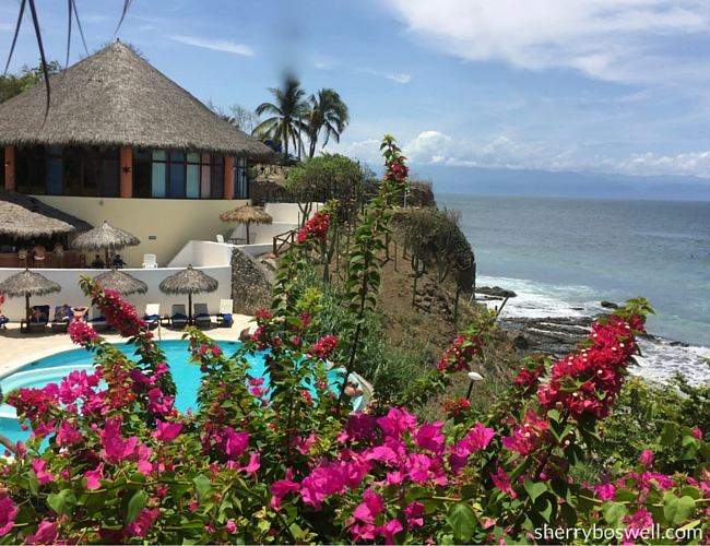 Puerto Vallarta Resort Gem | the Grand Palladium Vallarta pool and beach view makes me want to stay longer in Mexico