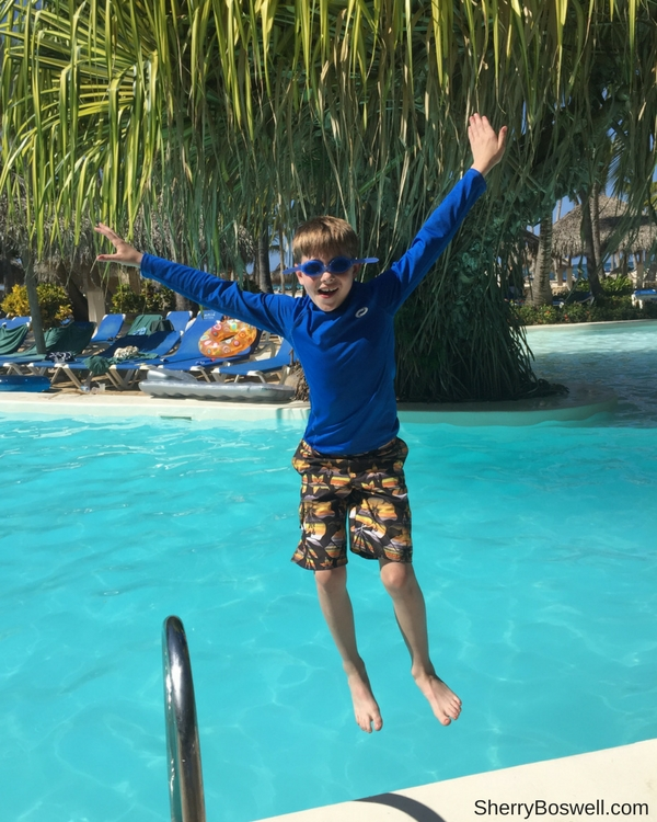 Things to Do with Kids in the Dominican Republic | making a splash in the pool is always tops with kids