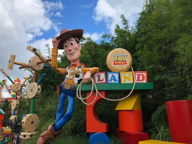 Woody's 7 Tips to Make the Most of Disney's Toy Story Land