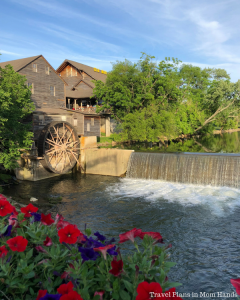 Where to Stay, Eat, and Play in Pigeon Forge, Tennessee