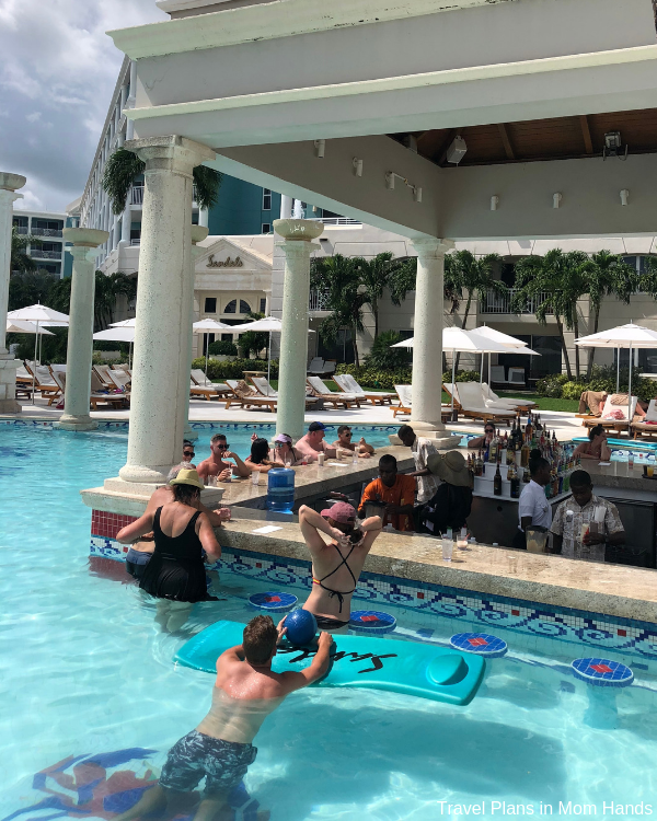 Swim up pool bars at Sandals Royal Bahamian: exercise before beverages!