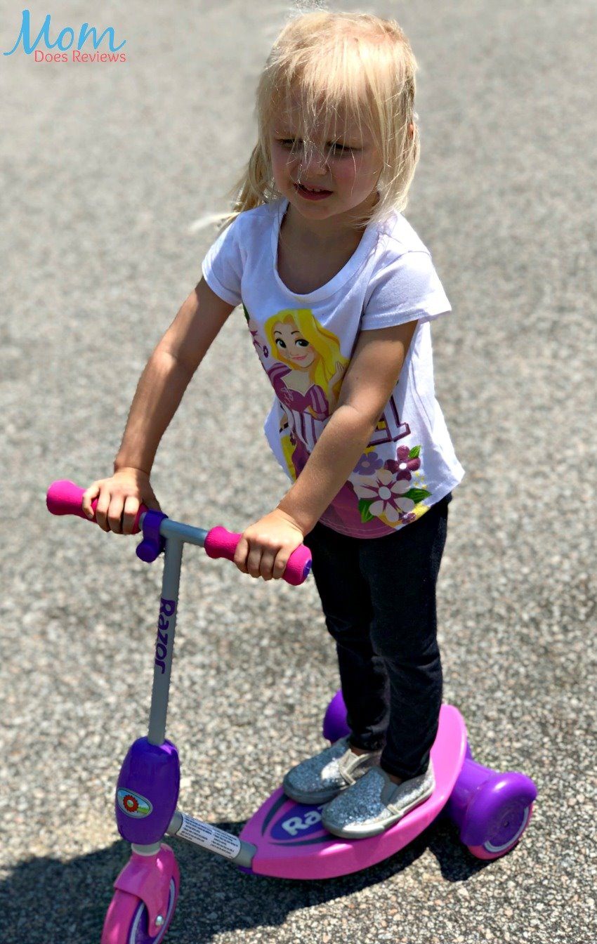 Win a Lil' E Electric Scooter from Razor Open USA, Ends 5/18