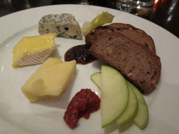 biffs_cheese