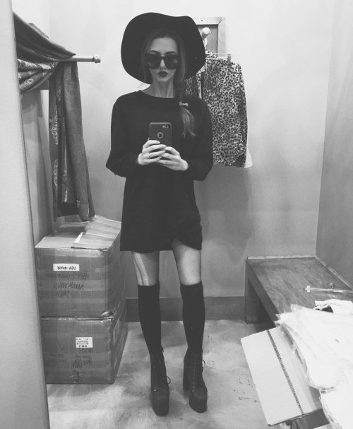 A selfie of a typical Nu Goth outfit by Alise Carter, The Glass House via Nugoth.com