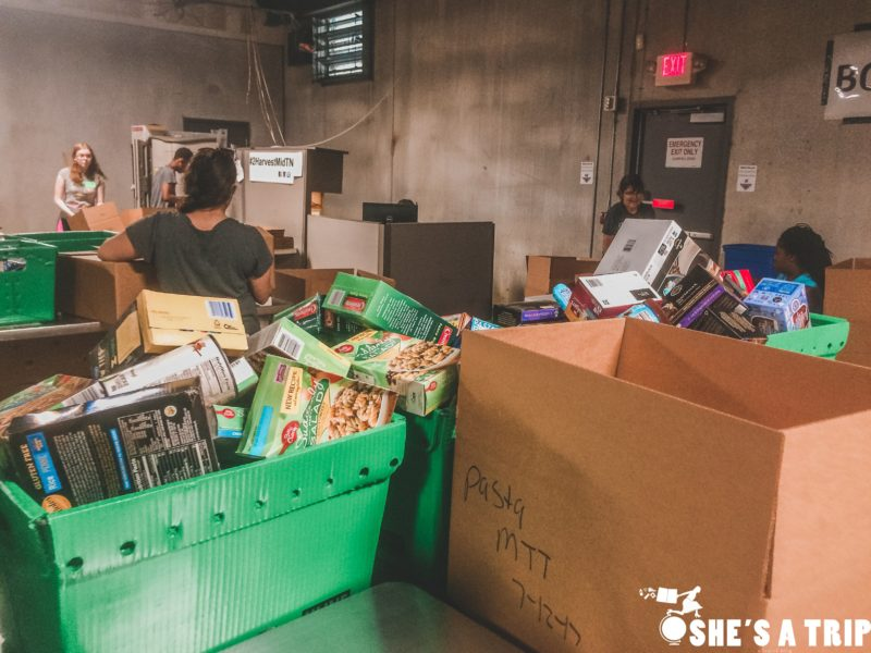 Volunteering in Nashville Second Harvest Food Bank