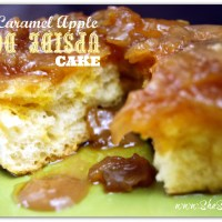 Easy Caramel Apple Upside Down Cake Recipe