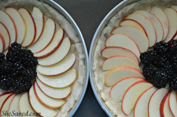 These Apple Blackberry Fruit Tarts are perfect for a delicious fall dessert!