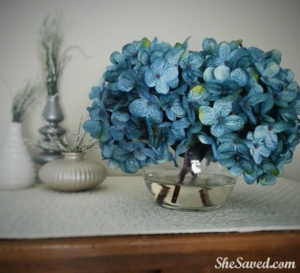 Easily make this lovely DIY Flower Arrangement to decorate your home on the cheap!