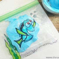 Finding Dory Activity: Mess Free Finger Painting