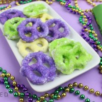 Mardi Gras White Chocolate-Dipped Pretzels