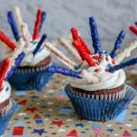 Cute and EASY Fireworks Cupcake Recipe
