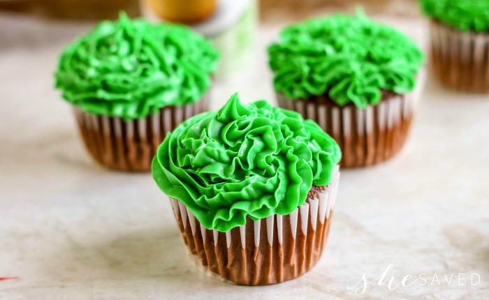 Frosting that looks like grass