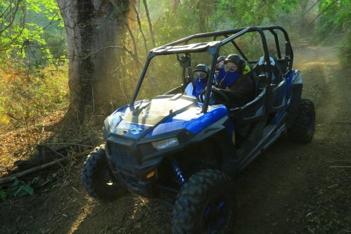 driving the razr in the jungle