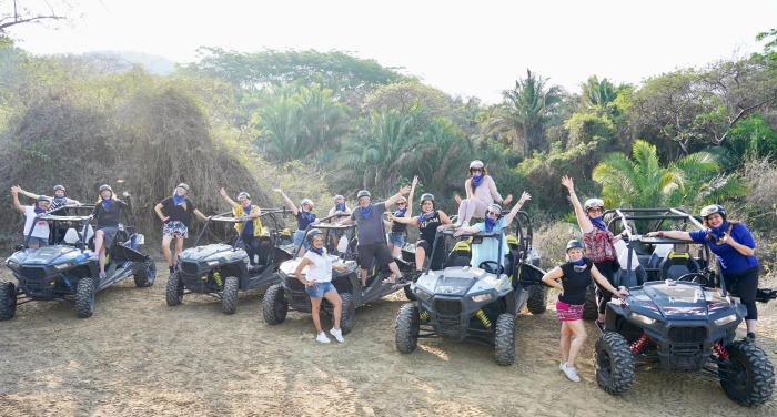 razr big group photo