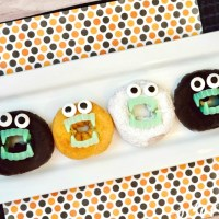 Spooky (and EASY!) Donuts with Teeth Halloween Treat