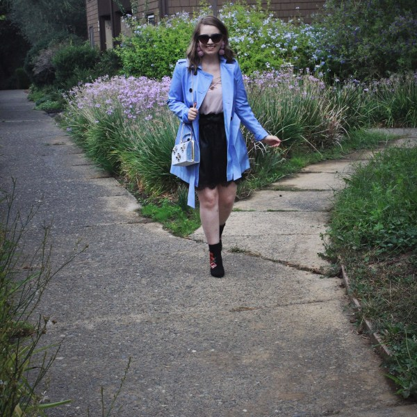 fall outfit ideas pastel trench and floral booties