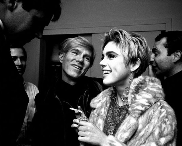 circa 1965, Manhattan, New York, New York, USA --- Andy Warhol Looks Adoringly at Edie Sedgwick --- Image by © Steve Schapiro/Corbis