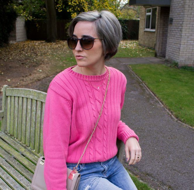 Pink or Blue | Hot pink jumper, boyfriend jeans and beige bag
