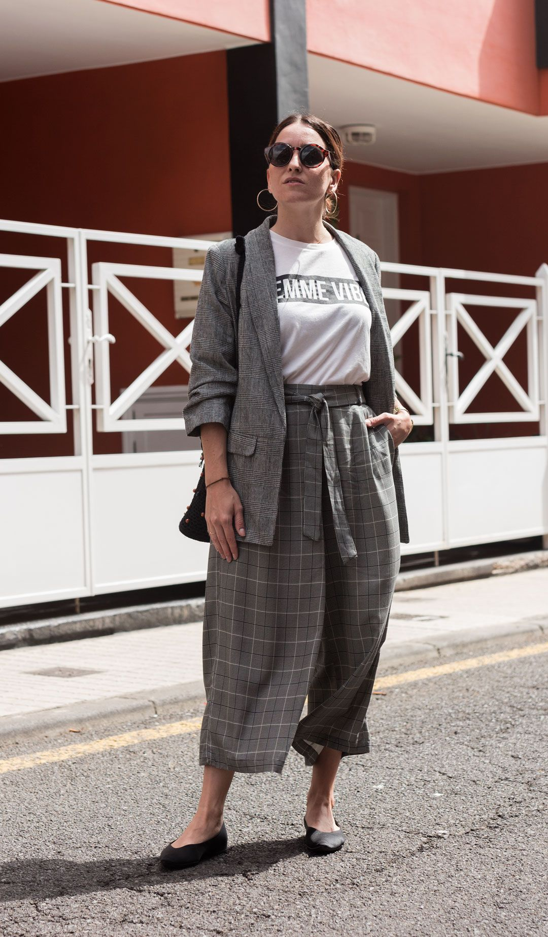 Not your average checked suit   The king print this autumn   Culottes for fall   #culottes   How to style a culotte for autumn   #transitionlook   #blazer   #Streetstyle   #minimalchic   #edgyfashion   She talks Glam   Saida Antolin   #crochetbag   #DYIbag   #falloutfit   #slogantee   #feministtee   Effortless chic   #OOTD   UK Blogger