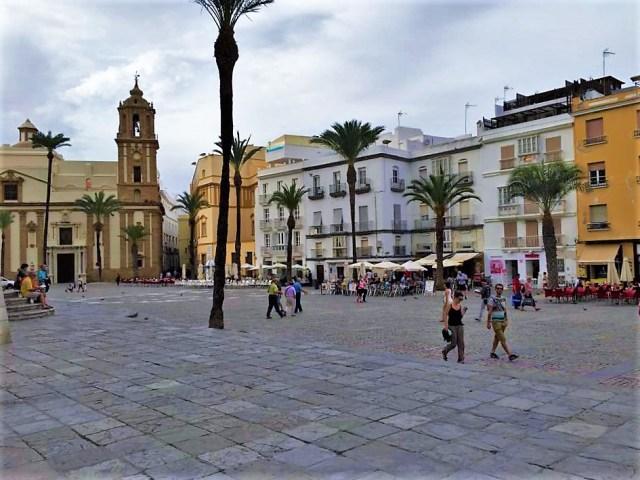 < Cadiz Square >
