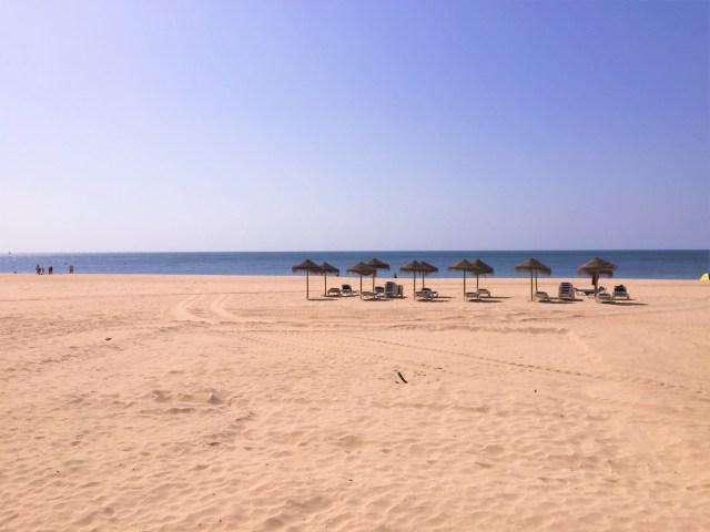 < New Cadiz Beach >