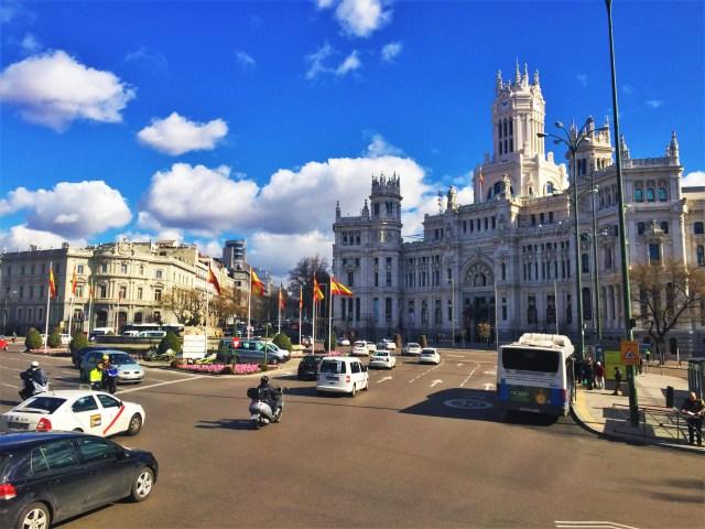 < Plaza de Cibeles >